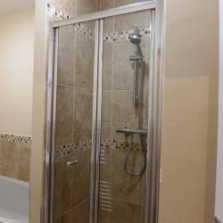 Flat 3 62 Abbey Foregate Shower